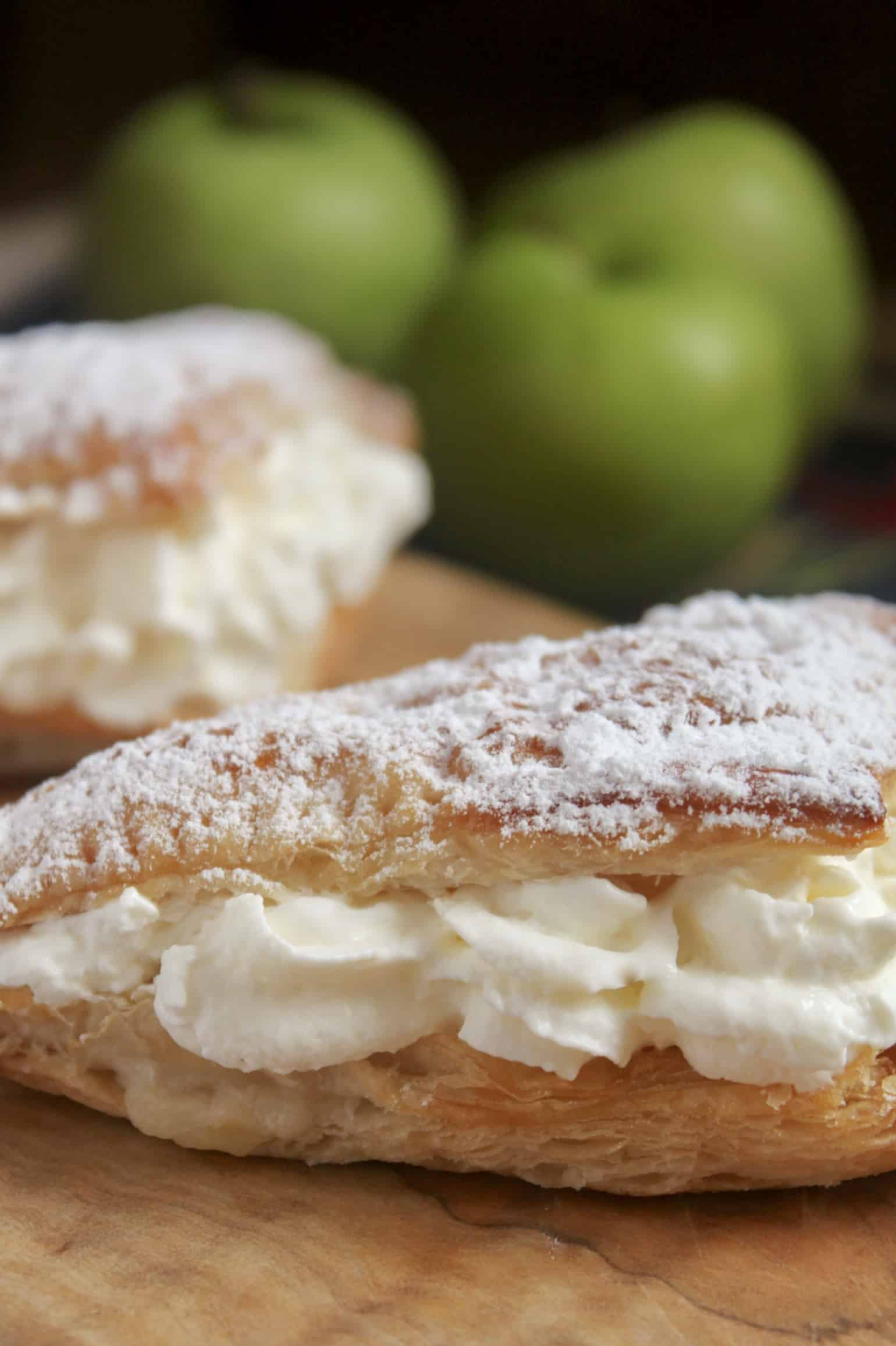 apple turnover filled with cream