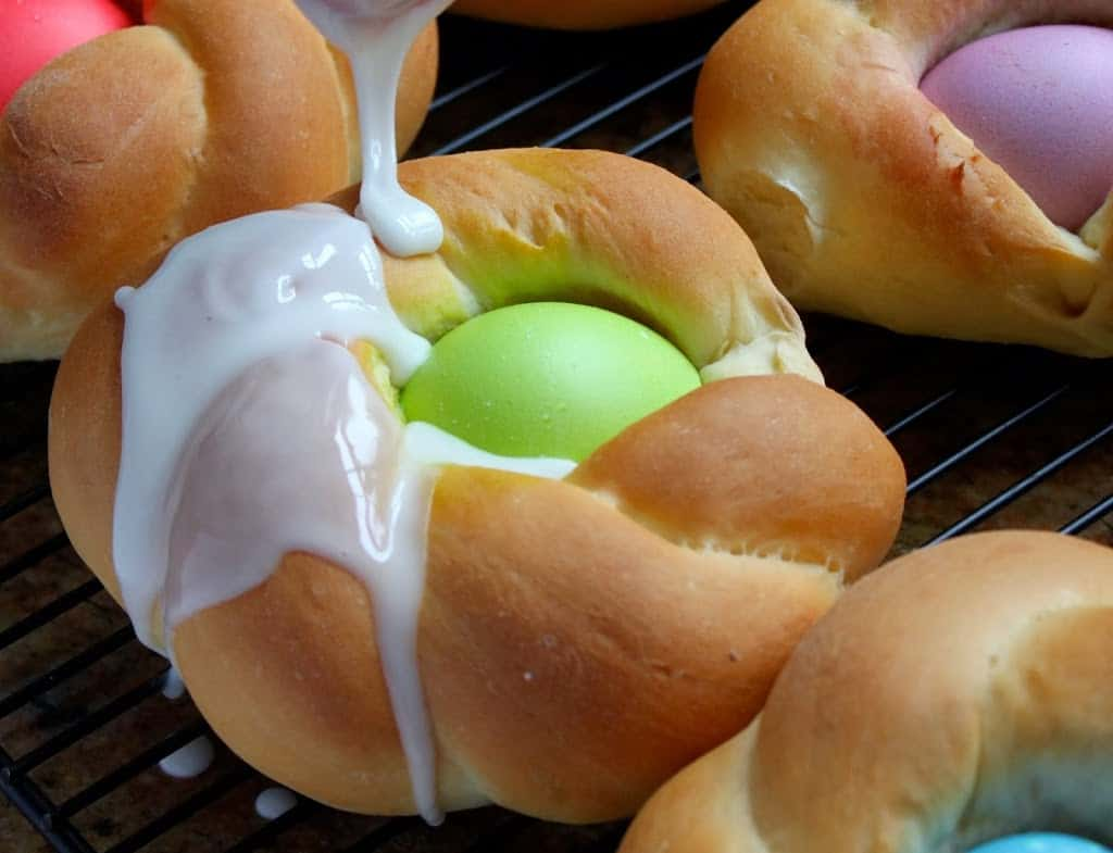 icing Italian Easter bread