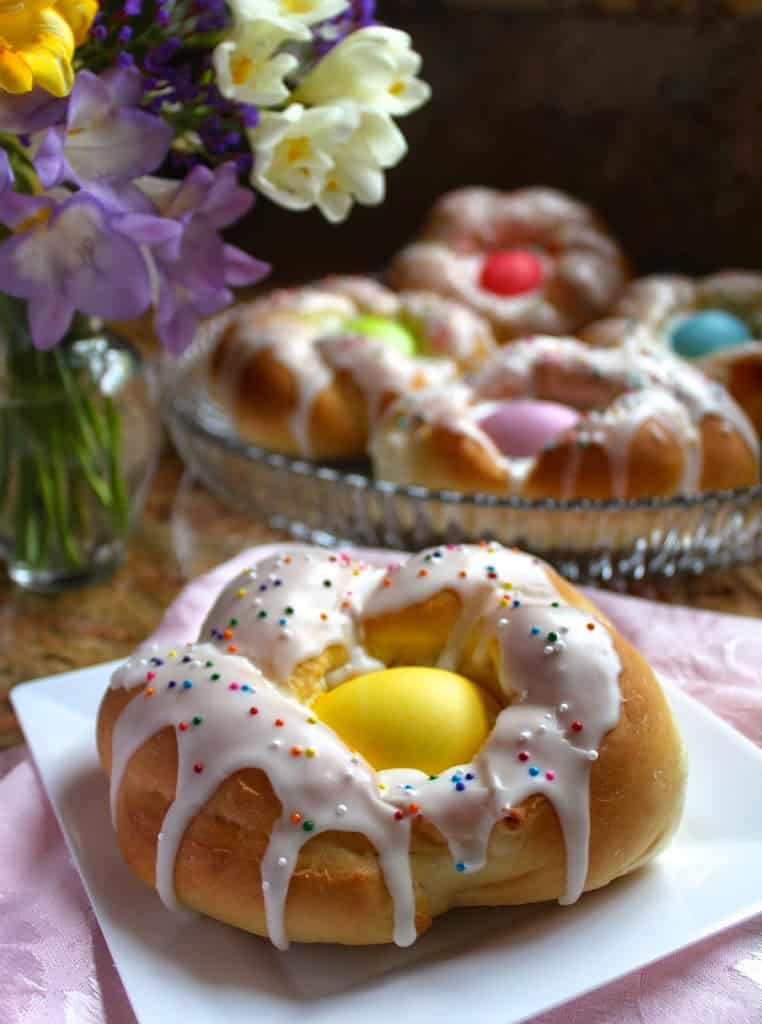 Italian Easter Bread Sweet Individual italian easter bread rings ...