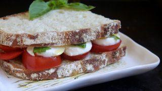 Simple Caprese Sandwich