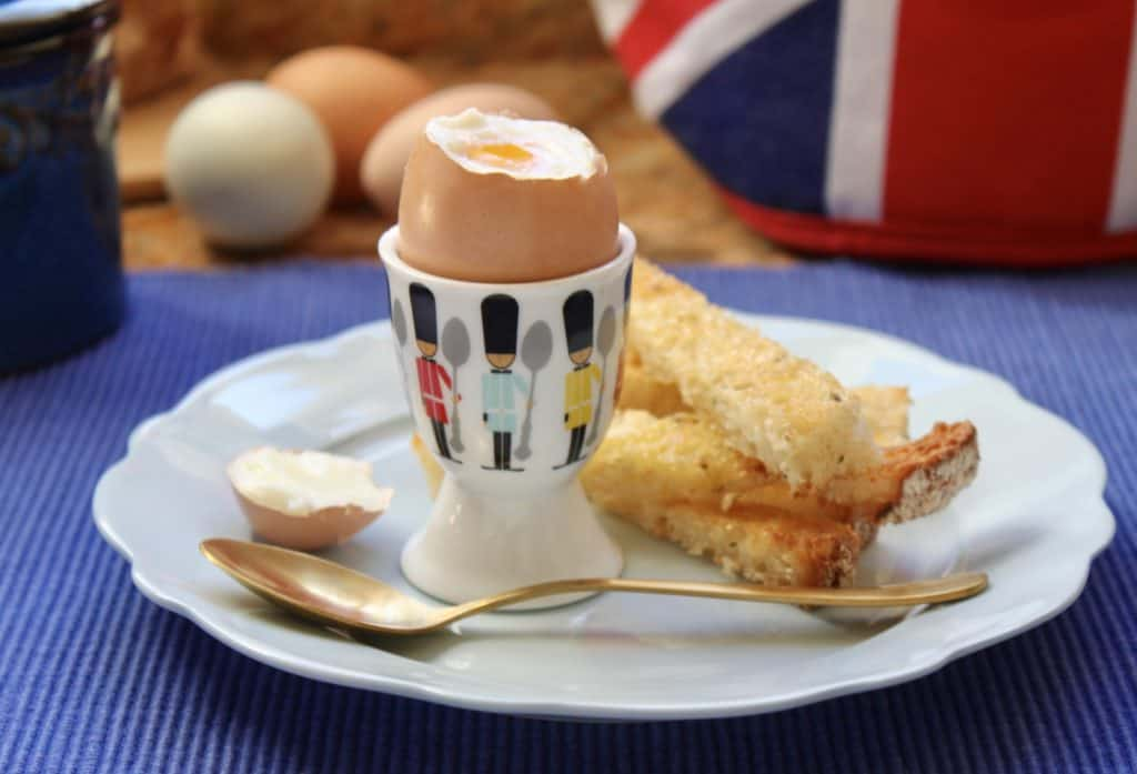 Soft boiled egg with soldiers