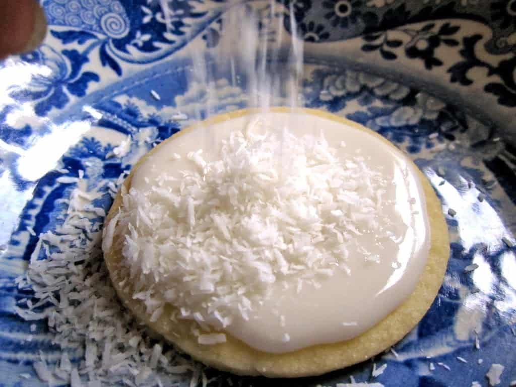 decorating Snow Cookies with coconut