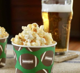 Caramel Crunch Popcorn – Ready in 15 Minutes!