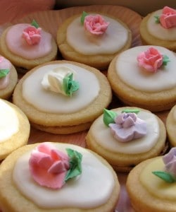 Pretty, Pastel Springtime Easter Cookies
