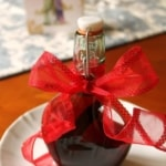 Homemade Vanilla Extract (Make now for Christmas Gifts & Holiday Baking)