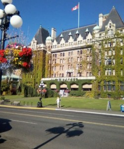 victoria island things to do places to see what to eat drink food restuarant reviews canada british columbia