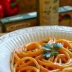 Bucatini alla Crema di Peperoni Rossi con Piselli (Bucatini with Red Pepper Cream Sauce and Peas)