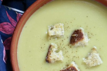 overhead shot split pea soup