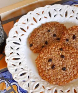 caramel currant oat cookies on a pretty plate
