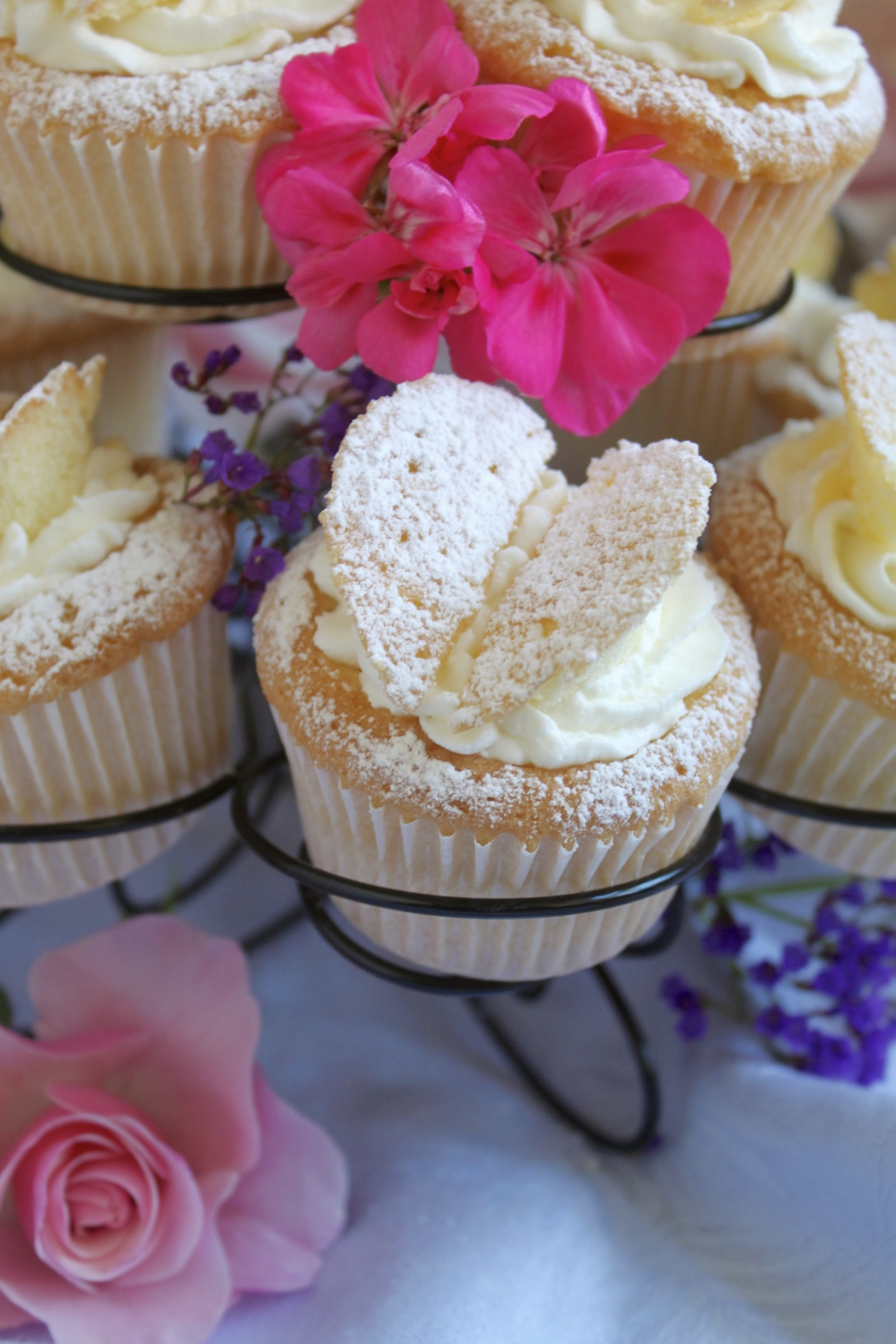 butterfly cupcake with flowers