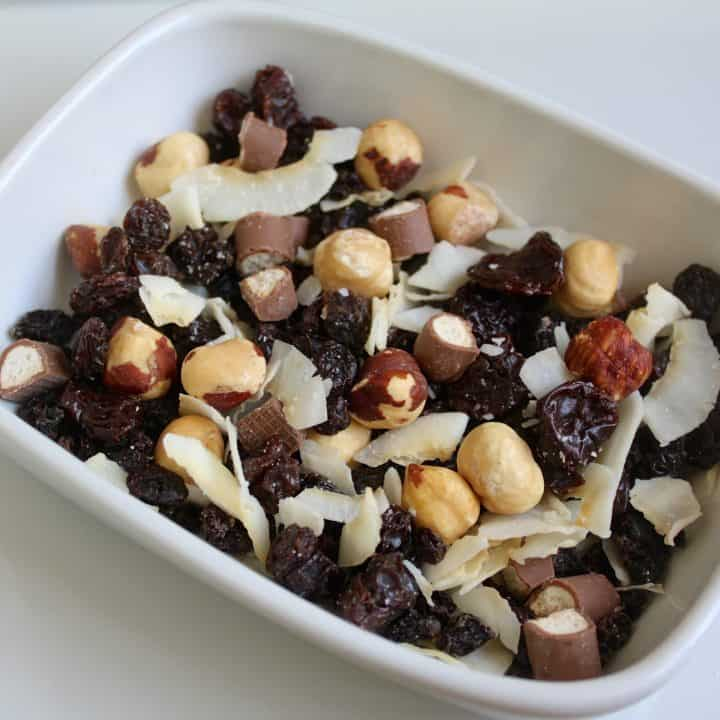 A Do-It-Yourself Homemade Snack Mix You'll WANT to Snack on!