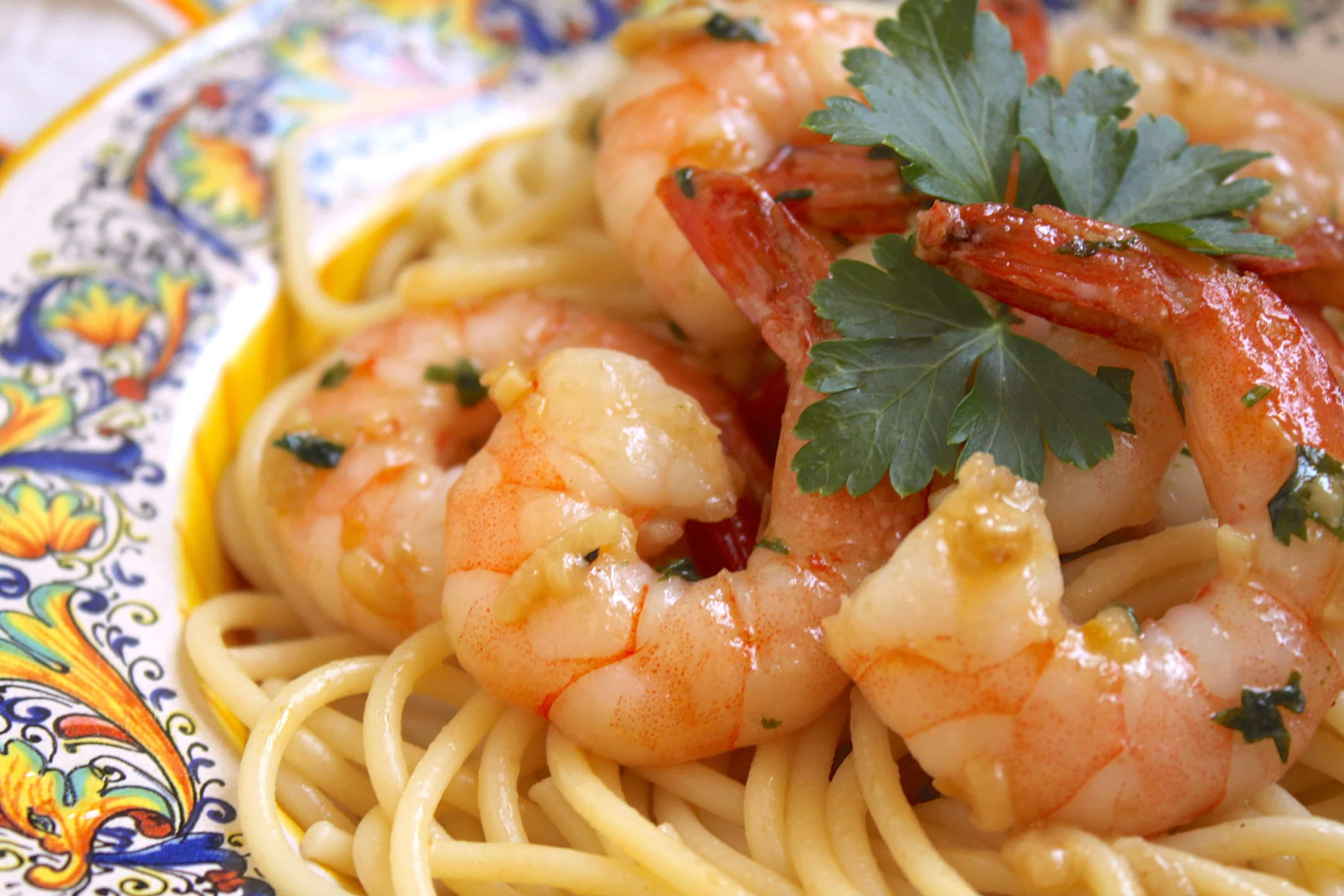 Simple Garlic & Butter Shrimp with Spaghetti (Shrimp Scampi) - Christina's Cucina