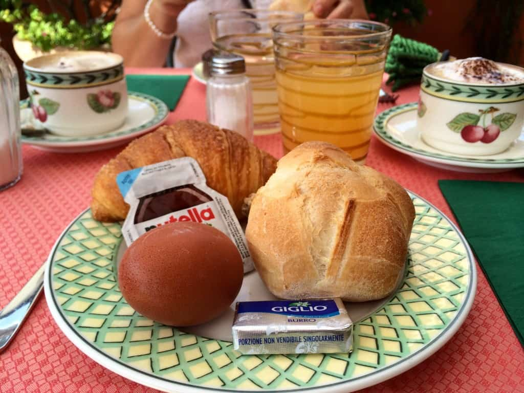Breakfast at Hotel Columbia in Rome