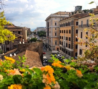 Classic Hotel Columbia, Sightseeing in Rome and How to Find Authentic Italian Cuisine in the Most Touristy Areas of Italy