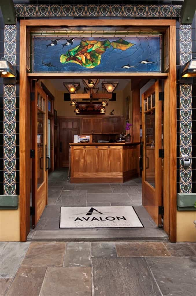 Avalon Hotel entry