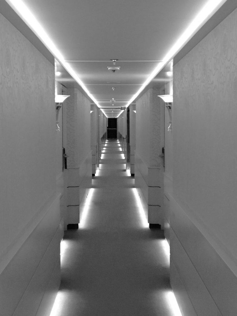 Amacerto hallway