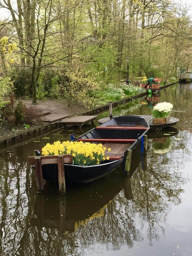 Boat scene in Keukenhof Garden