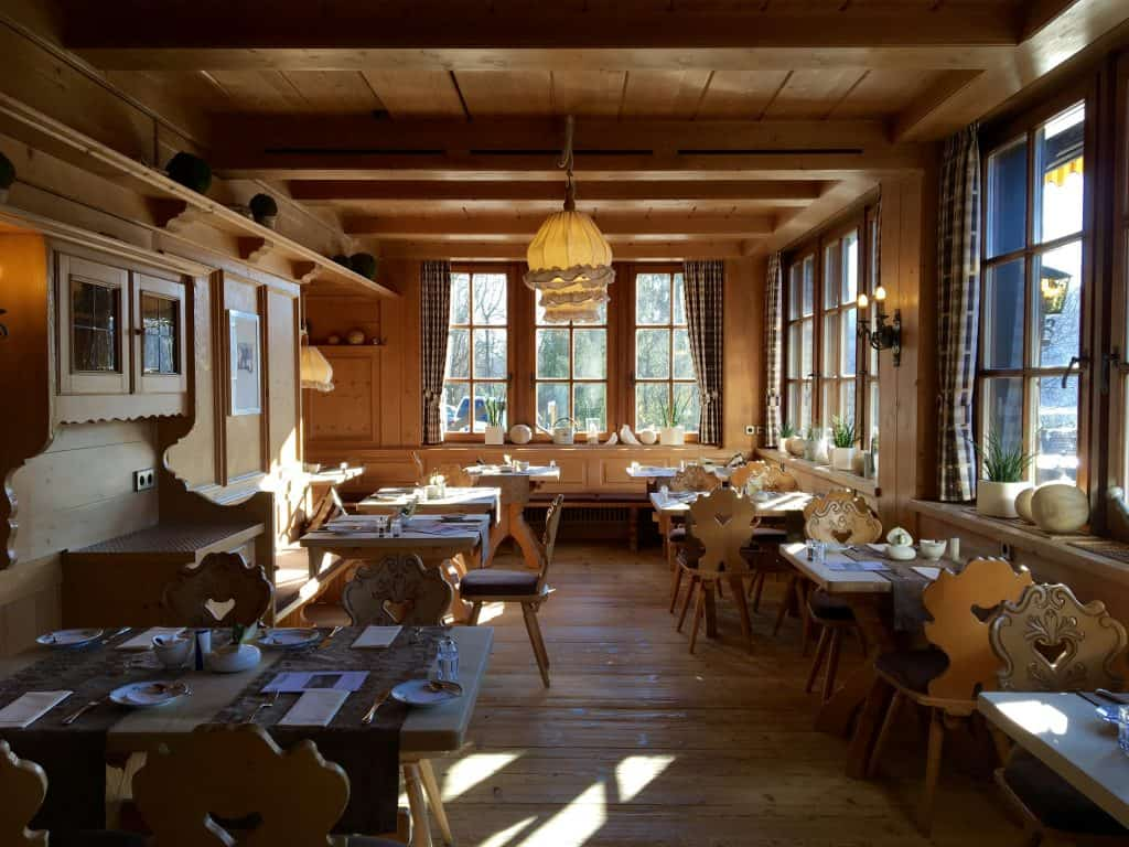 Breakfast room at Hotel Alemannenhof