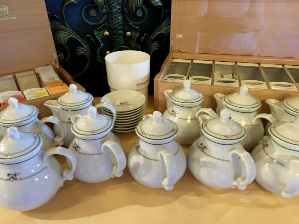 Teapots at breakfast