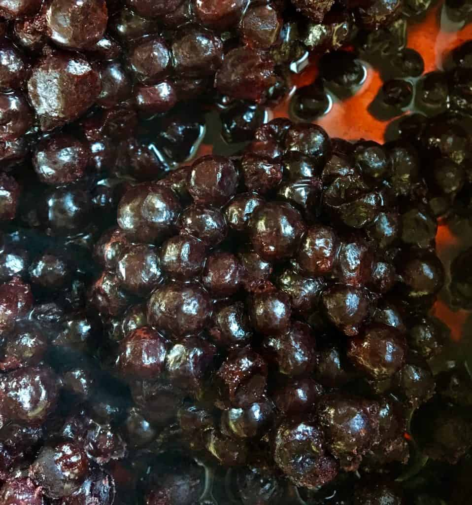 Making blackcurrant jam