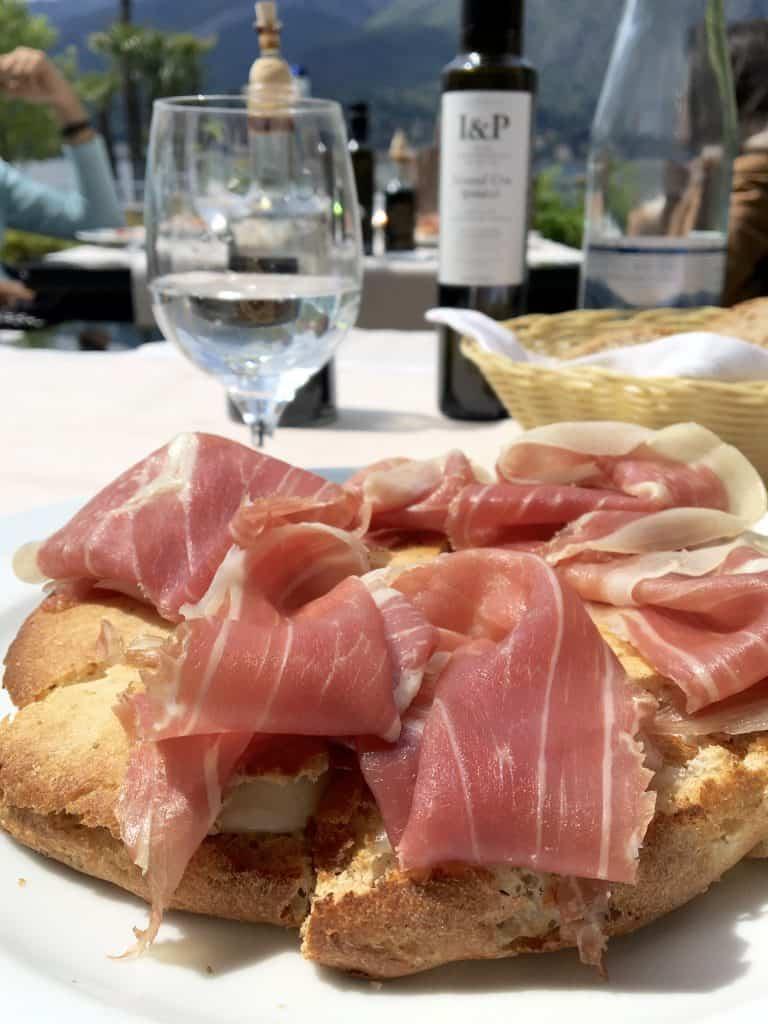 Foccacia with burrata and prosciutto