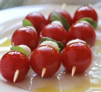 Mini Caprese Skewers (Tomato, Basil and Mozzarella Appetizers) HOLD the Vinegar!