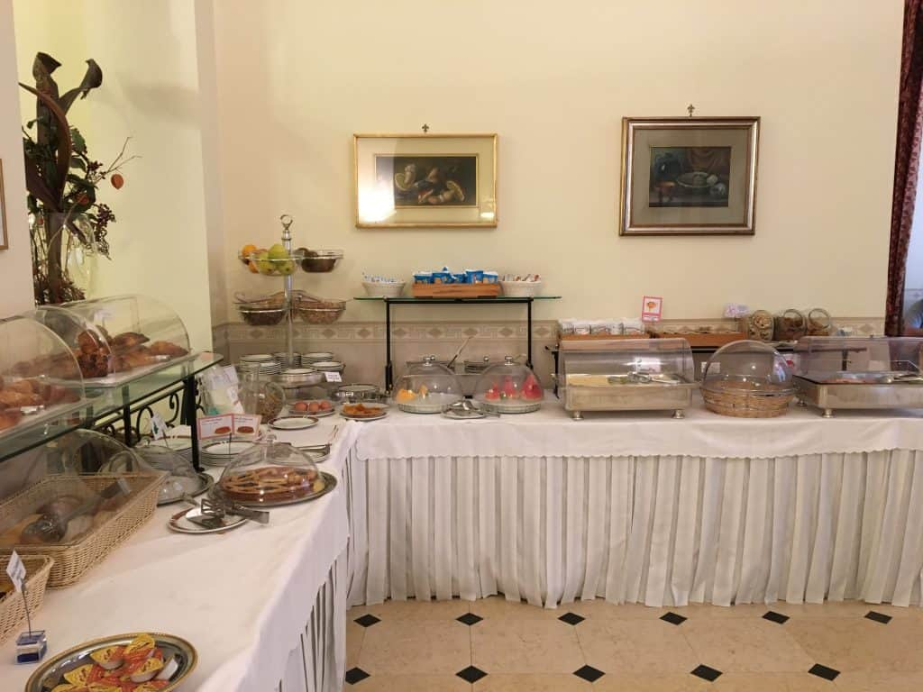 Hotel Genio breakfast buffet