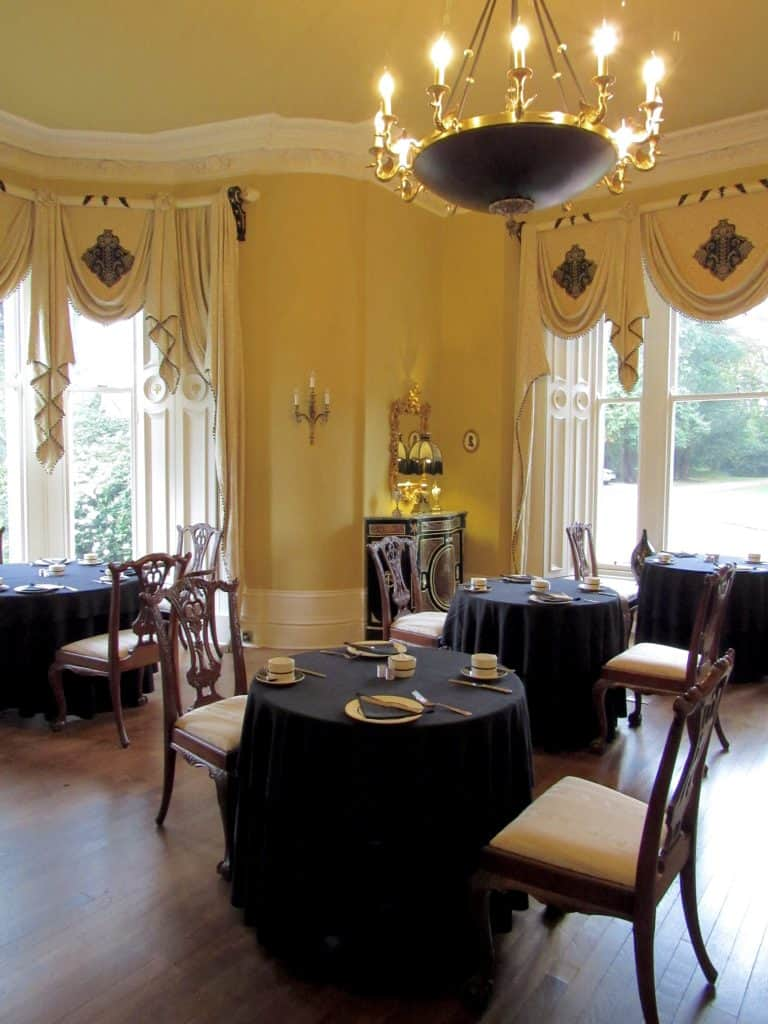 Breakfast room at Eden Mansion
