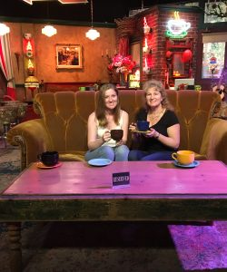 Friends couch at Warner Brothers tour