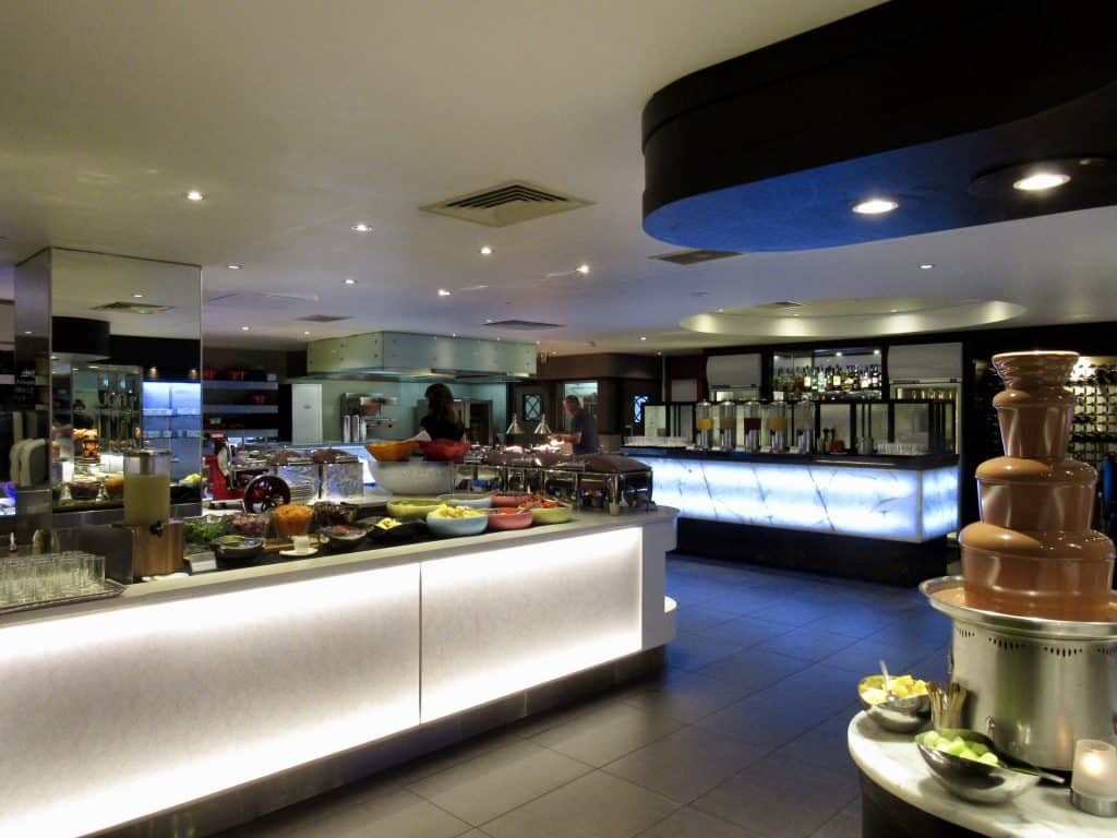 Eight restaurant in Cordis Hotel in Auckland