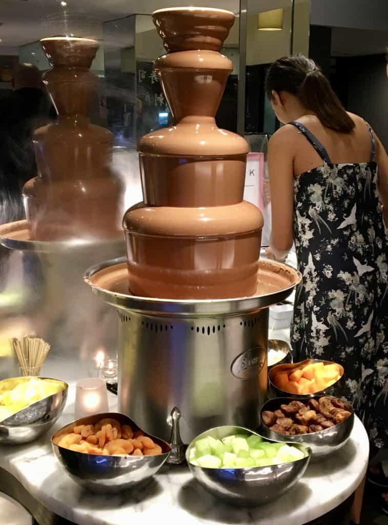 Eight restaurant chocolate fountain