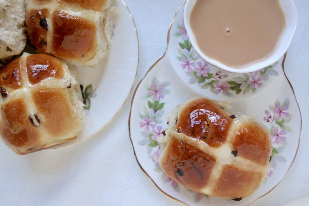hot cross buns and tea