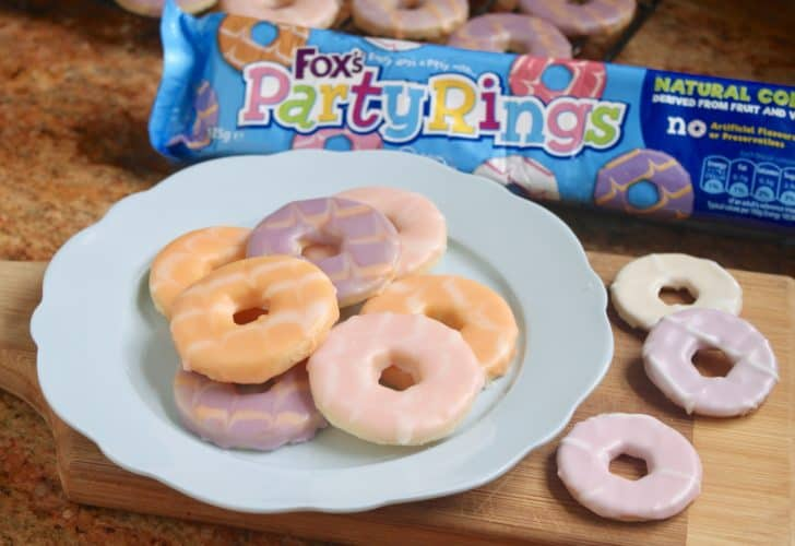 Homemade Party Rings – a Classic British Biscuit (Cookie)