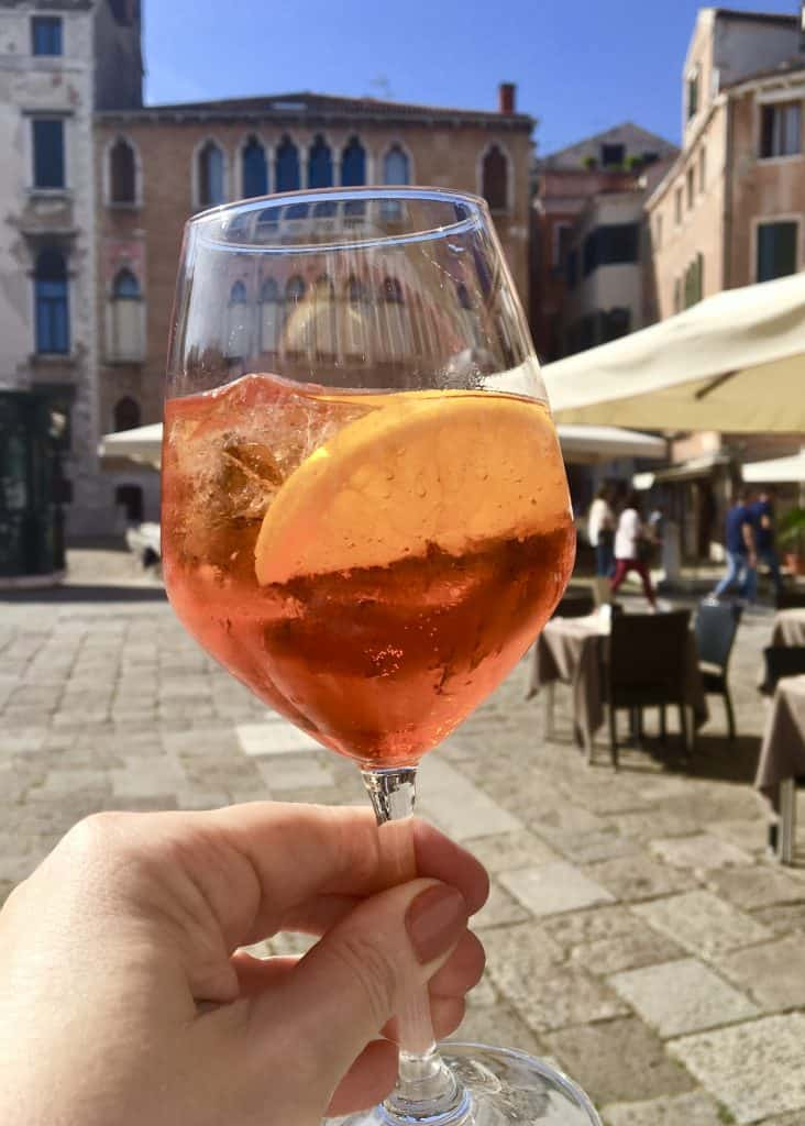 Make an aperol spritz, Venice