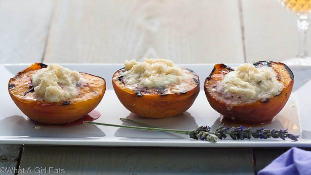 Peaches with mascarpone
