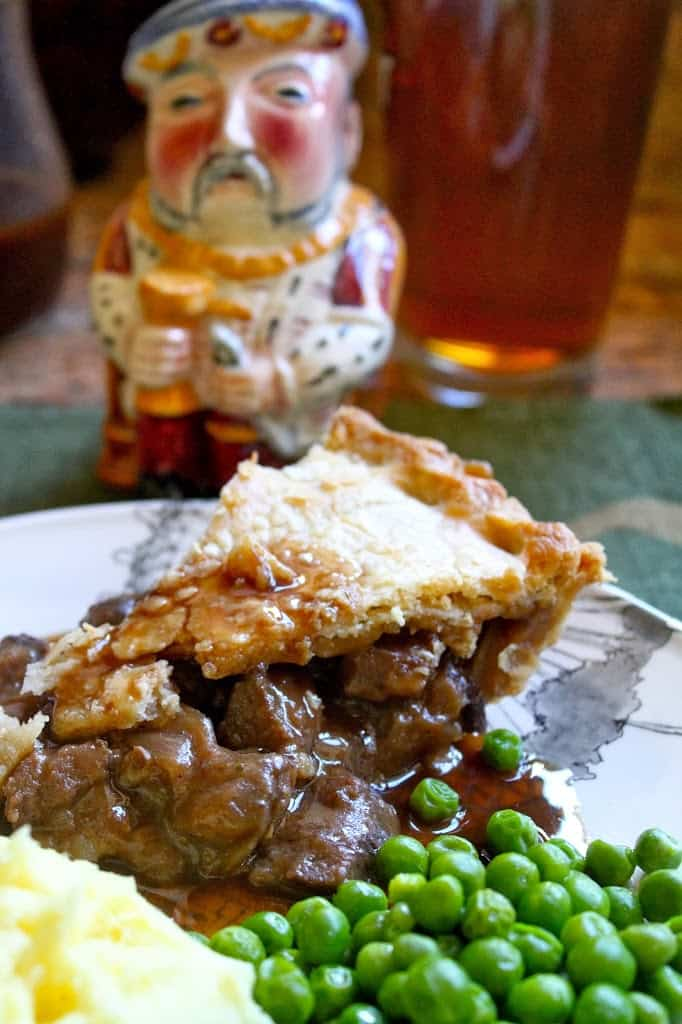 Steak Pie with Peas, Mashed Potatoes and Gravy - Christina ...