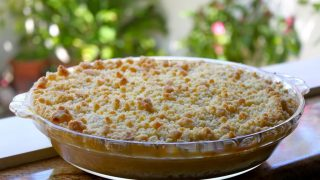 Simply the Best Apple Crumble (or Rhubarb, Blueberry, Peach...)