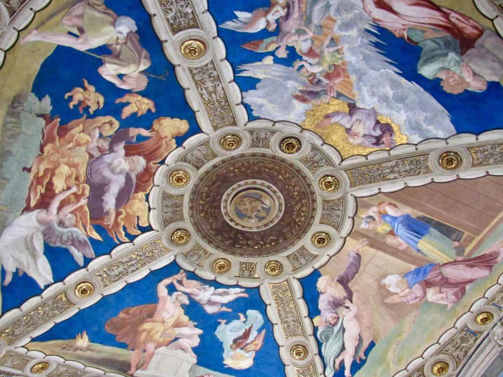 Raffaele room ceiling