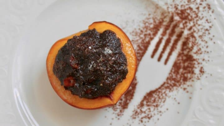 Italian Style Baked Peaches with Biscuit and Cocoa Filling (Pesche Ripiene alla Piemontese)
