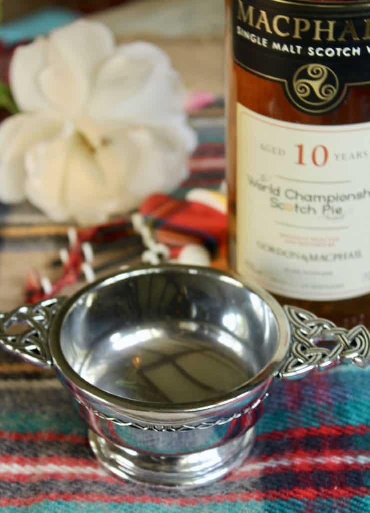 Whisky quaich rose