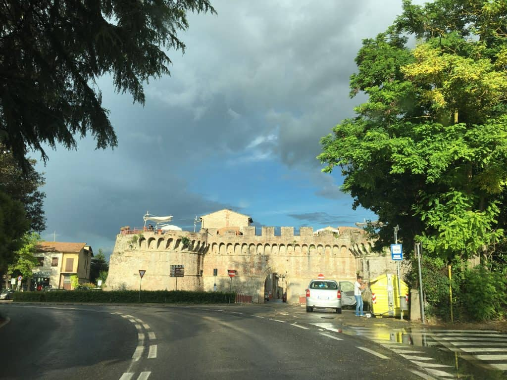 Drive from San Gimignano to Siena
