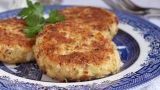 Smoked Haddock Fish Cakes (Finnan Haddie and Potato Cakes)