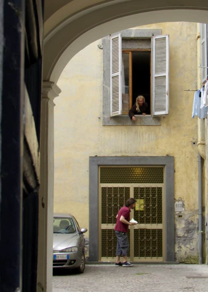 Couple interacting in Orvieto, Italy