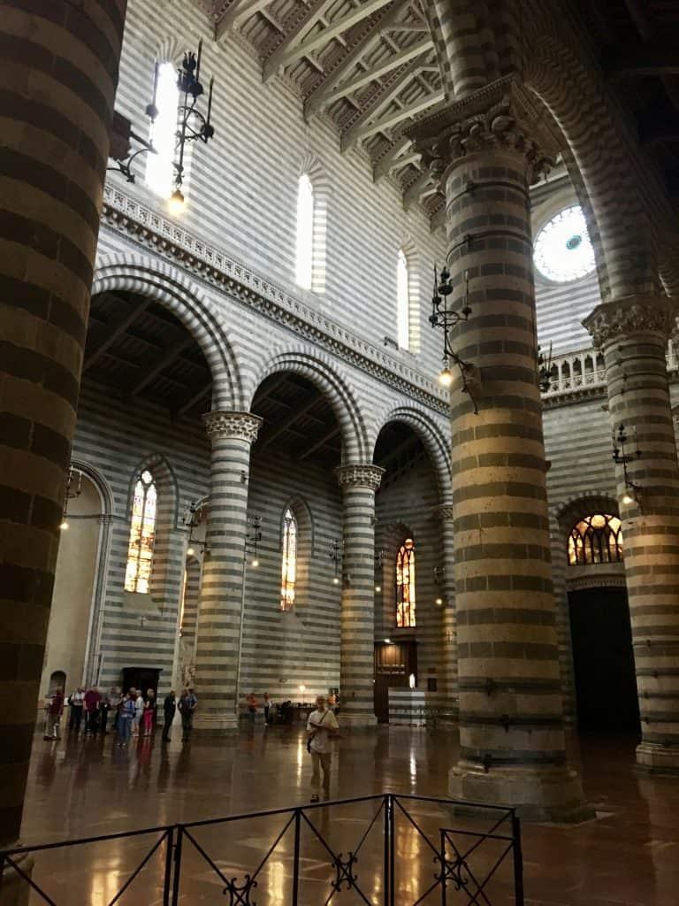 inside of the duomo in Orvieto