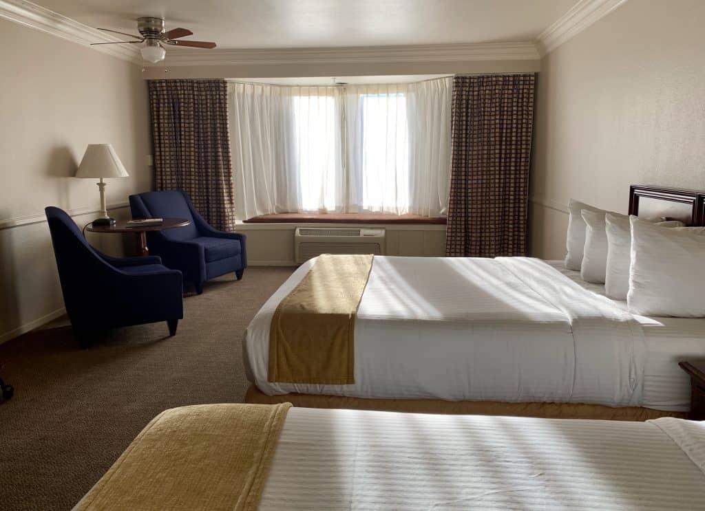 Santa Maria Inn room
