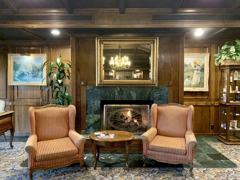 Santa Maria Inn lobby