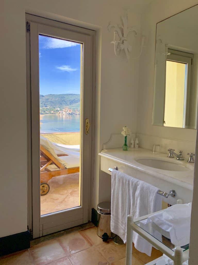 Bathroom in Palazzo Belmonte
