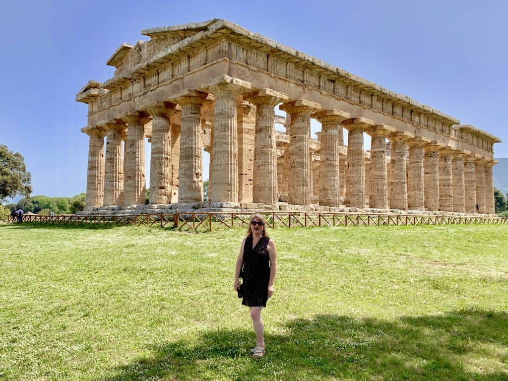 Christina in front of the temple of Poseidon/Neptune (or Hera).