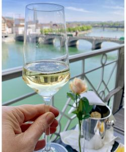 Ruinart champagne Hotel Les Trois Rois