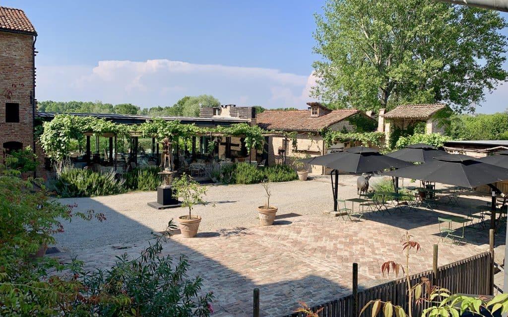 antica corte pallavicina courtyard best relais in Emilia Romagna